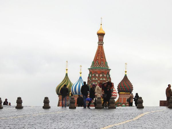St Basil's Cathedral Moscow Moscou Russia Russian Temple Church Architecture Cathedral Skyline Redsquare Colors Revolution Square Rainy Ussr Soviet Era Faith Christ Dome Orthodox Church St Basil's Cathedral Tourists Cityscape Place Of Worship Urban Skyline Ancient Religion History Tower Shrine