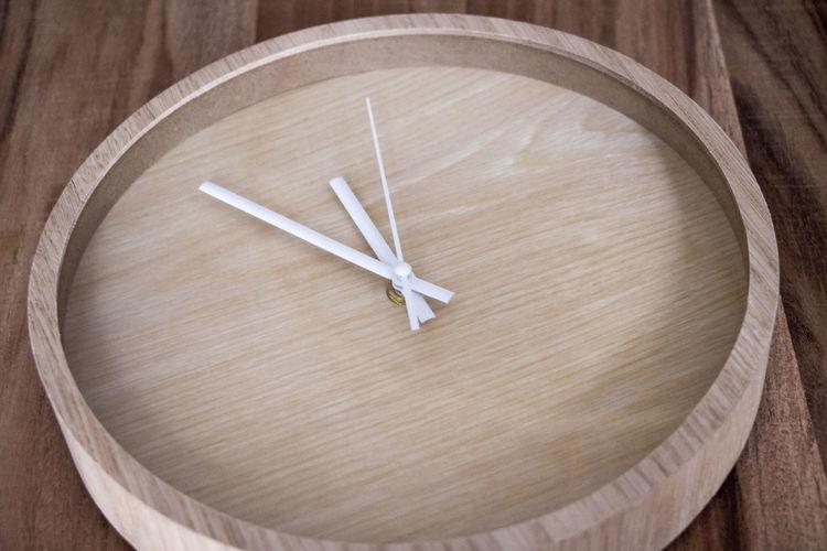 Clock Clocks Close-up Time Time Clock Time Clock Close-up Vijf Voor Twaalf Wood - Material