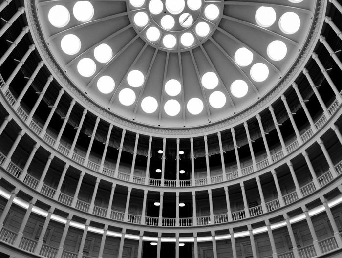 Beautifully Organized Architecture Architecture And Art Architectural Design Indoors  Built Structure Ceiling Dome ARCHITECT Architecturephotography ArchiTexture Architecture Photography Architectural Photography Architechture Poland Monument Monuments Antique Antique Building Ufficio Ufficioprimo Warsaw Architecture Black & White First Eyeem Photo