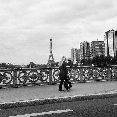 Woman walking in Paris Paris Toureiffel Eiffeltower Belledame parisjetaime paris15 parisxv beaugrenelle igersparis parisienne parisian woman girl instaday instafollow instagood