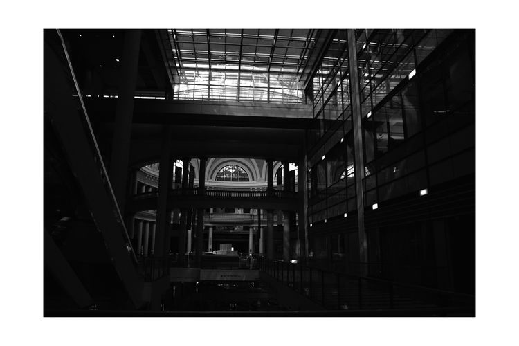 Westfield Centre 1 San Francisco Downtown Monochrome Photograhy Monochrome Lowlight Ambient Light Black & White Black And White Photography Black And White Black And White Collection  Upscale Urban Shopping Mall Mall Interior Arched Windows Glass Columns Bannister Escalator Geometric Patterns Pattern Pieces