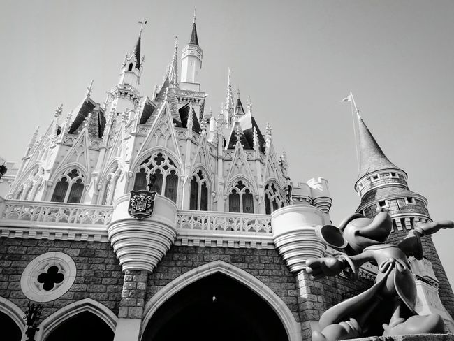 Tokyo Disney Land TDL Cinderella Castle Mickey Mickey Mouse Black & White Black And White Photography Enjoying Life Lookingup