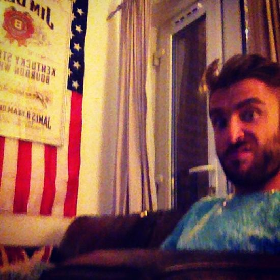 Flat BORo Usflag Jimbeam sofa tv bored