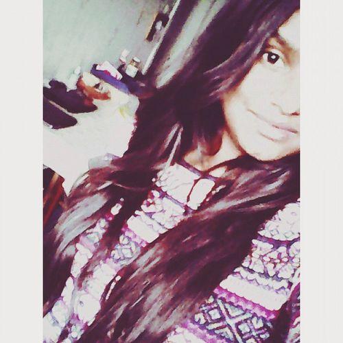 Moi Brownblackhair Smile Love Ich lebe in meinem Traum und habe keinerlei Interesse an der Realität 🌌