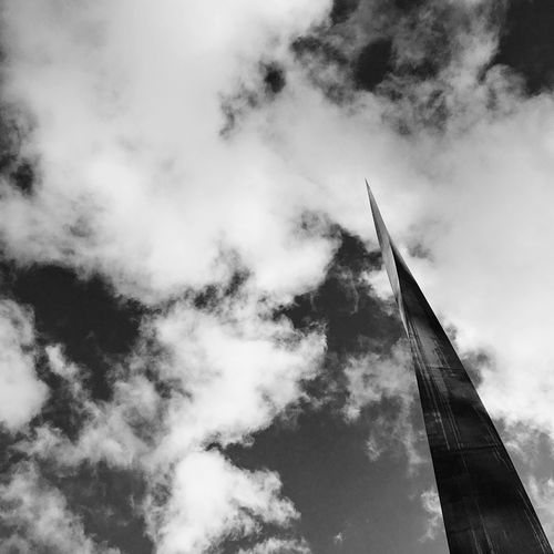 Sky Low Angle View Travel Cloud - Sky Architecture No People Outdoors Day London Blue Streetphotography Blackandwhite