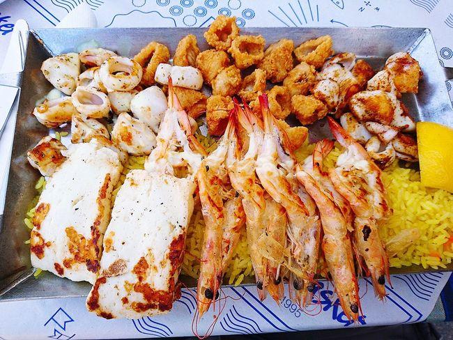 Having a wonderfull SEAFOOD🐡 dish again Calamari 3 ways some Halloumi with Gambas Healthy Eating Foodspotting Foodpictures Food Photography Greek Food