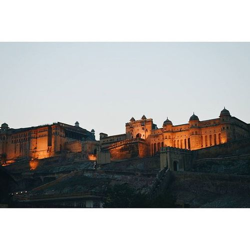 Location - Amer Fort (Amber Palace), Jaipur, Rajasthan, India IndiaJourney Jaipur India Amerfort Nightlight Lightshow Vscocam VSCO Vscoindia Vscoexplore Vscotravel Travel Vscojourney Explore Journey
