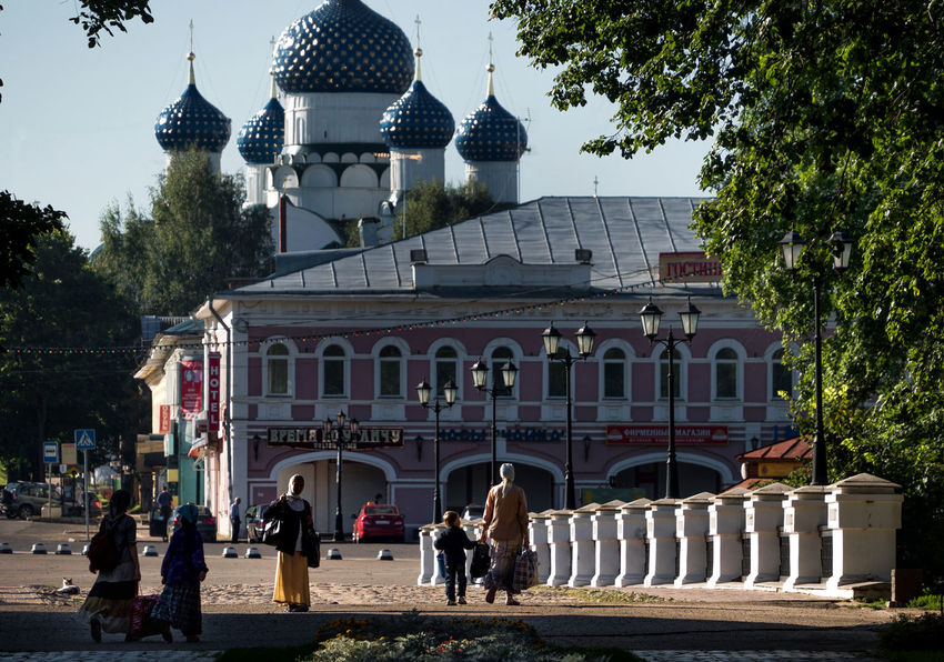 Russia, Uglich, Kremlin, Kremlin views Architecture Building Exterior Built Structure City City Life Day Façade Leisure Activity Lifestyles Outdoors Russia, Uglich, Kremlin, Kremlin Views Sky Street Light Tourism Travel Destinations Tree