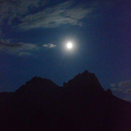 A volte serve tanto buio per accorgersi di ciò che splende...Bluemoon Valdifassalove Natura