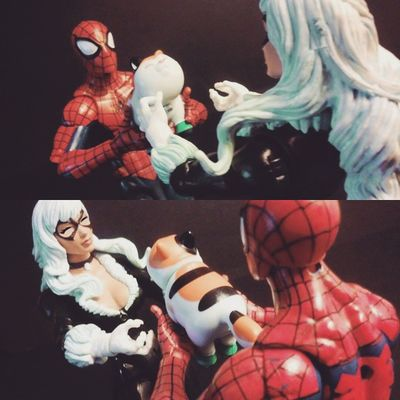 """For you my precious! 💗"" ""Awe oh my god well arnt you just the sweetest!"" Marvellegends Mcu Collection Couples Romance Figurecollection Collector Infiniteseries Hasbro Nerd Comics Mcu Spiderman Webhead Amazingspiderman Webslinger Articulatedcomicbook Actionfigures Actionfigurephotography Kittens Hasbro BLackCat Feliciahardy Peterparker Relationships favoritecouples marvelentertainment tcb_flyupandaway"