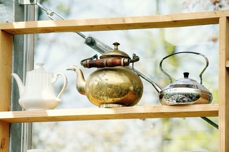 Enjoying Life Dutch Details Canon Click Click 📷📷📷 Taking Pictures Vintage My Point Of View Holland Lisse, The Netherlands Hello Netherlands 🇳🇱 Hello World Tea Time Lookingup Metal Close-up Indoors  Glass - Material Retro Styled Household Equipment Focus On Foreground Kitchen Utensil Day Wall - Building Feature Wood - Material Still Life Teapot Antique Group Of Objects Old