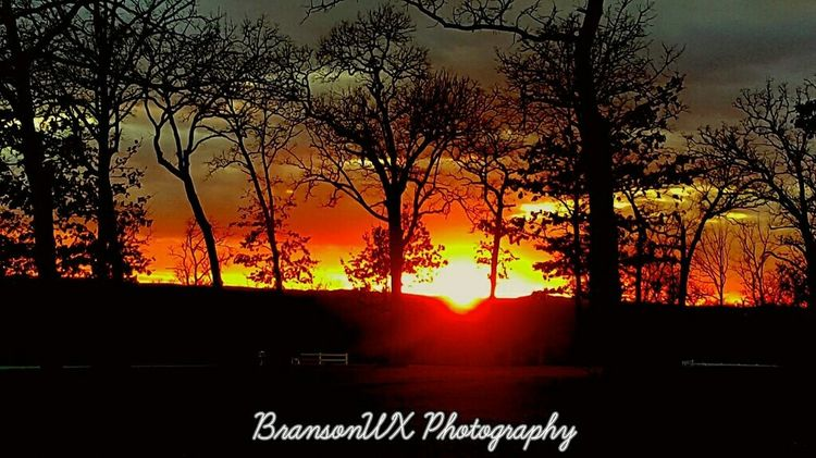 Tonight's sunset in Branson Missouri. Was very cold & blustery! Burrrrrrrrrrrrrrr Taking Photos Check This Out Hello World Cheese! Enjoying Life Beautiful Surroundings View Capture The Moment Peace And Quiet Beautiful Day