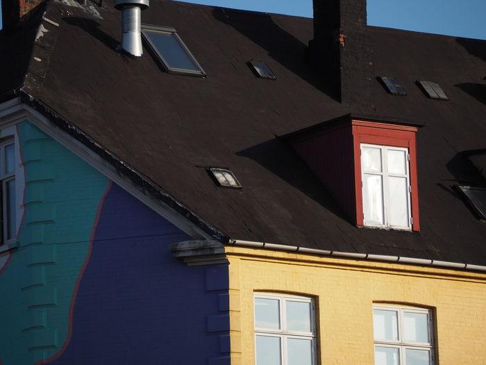 Shadows Sunny Day Colours City House