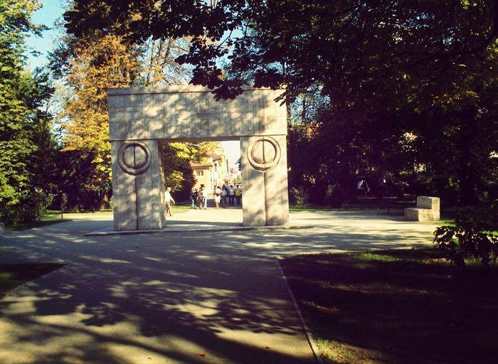 Arhitecture Stone Carving Romania Constantin Brancusi Kissing gate