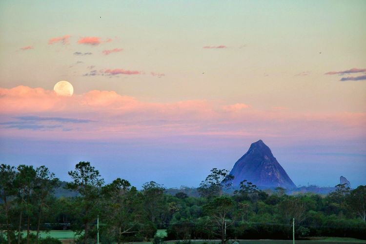 Sunset Landscape No People Sky Nature Outdoors Moon Supermoon Moonrise Glasshouse Mountains Brisbane Non-urban Scene Mountain Countryside Cloudscape Romantic Sky Weather Tranquility Scenics Moon And Clouds Mountain View Mountain