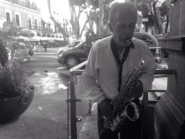 Music LiveMusic Musician Saxophonist Saxophonelife B&w Blackandwhite