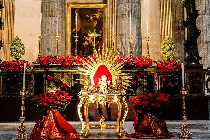 Chiesa #napoli Gesù  Bambinenello Bambino Altare Natale  Presepio Natività