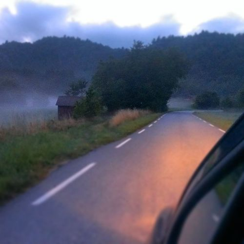 Skumring Sommerkveld Lys Nature spangereid kjøretur loveit misty