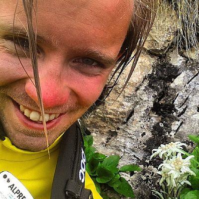 Då har man sett en av världens kanske fulsnyggaste(och mest sällsynta) blomma; Edelwiess. Blomnörd som man är var man ju tvungen att ta en selfie. Blomselfie Fulsnygg Edelweiss Hikests stsalpresor schnapsnase rudolf ironi