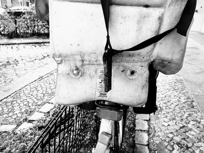 I see faces Hiddenfacesbykittyfischer Iseefaces Outdoors No People Unterwegs From My Perspective Seeking Inspiration Detailphotography Streetphotography Face Of EyeEm Faces In Places Fantasy Facehunter