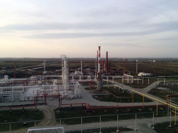 Fuel Gas Industry Pump Architecture Building Exterior Built Structure Day Equipment Factory Fuel And Power Generation Industry Landscape Nature No People Oil Oil Pump Outdoors Petrochemical Plant Refinery Reservoir Reservuar Rosneft Sky Smoke Stack Tank