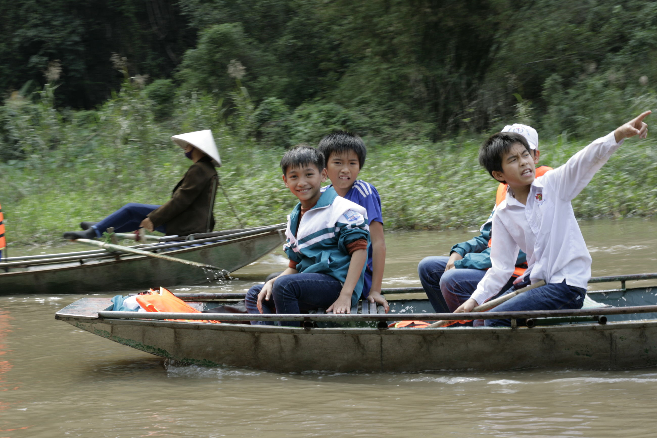 child, boys, females, leisure activity, real people, family with two children, males, forest, water, people, brother, full length, outdoors, childhood, nature, day, adult