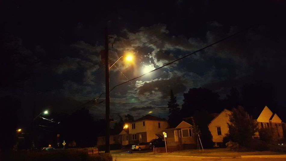 "' That moment !"" Street Light Moon EyeEmSelect EyeEm Best Shots Picturesque Place Outdoors Night Sky No People Open Hamilton Ontario Alone But Not Lonely Tranquility Latepost S6 Edge Photography"