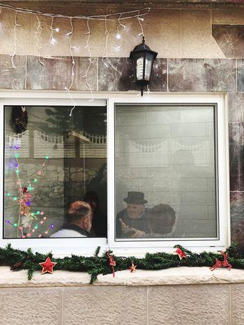 Window מייחגים מייסטריט מייפסוטה מייאייפון7 Christmas Christmas Decoration Outdoors Day People Adapted To The City