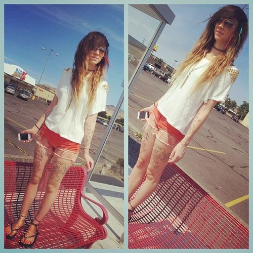 My new thing lol! Standingonstuff Ootd Hipster Hipstergirl ombrehair ombre red gold spikes chocker makeup catseye lashes headchain longhairdontcare lesbianswithink lesbianswithtattoos tattoos girlswithink girlswithgauges girlswithplugs girlswholikegirls lesbian inkedlesbians sunglasses happygirl taken inlove