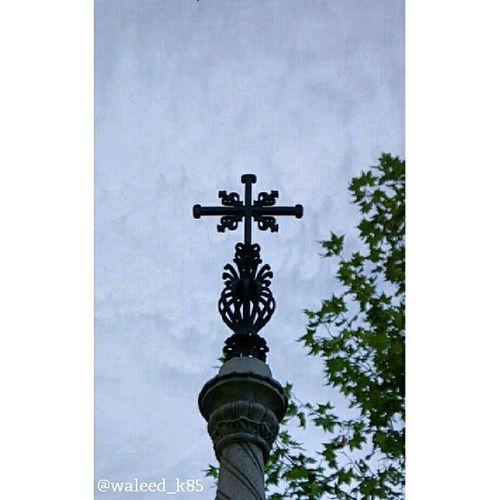 Cross . Parroquia SanManuelYSanBenito Church . At CalleDeAlcalá CalleAlcala. madrid Spain españa. Taken by my sonyalpha dslr a200. Taken in my 2012 summer trip مدريد اسبانيا صليب كنيسة