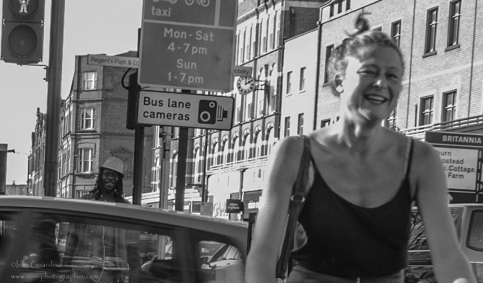 Streetphotography_bw Streetphotography Street Photography Urbanphotography Peoplephotography People Photography Happy People Urbanexploration Streetphoto_bw Urbanphoto