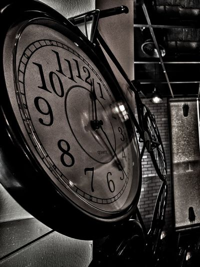 Time Time Low Angle View Clock Close-up No People Old-fashioned Indoors  Clock Face Day Hour Hand Minute Hand