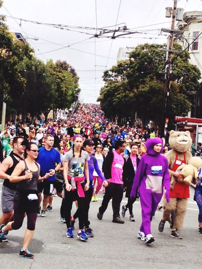Snapshots Of Life San Francisco California Bay To Breakers Baytobreakers Enjoying Life Streetphotography Sport In The City 50.000 people downhilling Running Marathon Alternative Fitness The Color Of Sport Carnival Crowds And Details Carnival Crowds And Details EyeEm Diversity