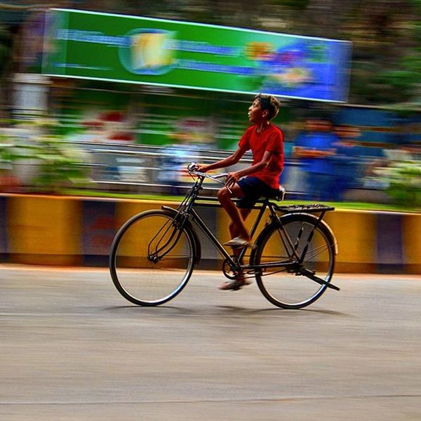 Panning Cycle Mumbai Mumbaicity Streetphotography Composition Color Moving Myshot Mumbaistreet Canon1200d Canonindia Canon_photos Canon