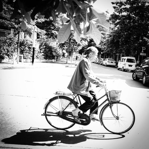 骑车的老人 Documentary Zhongshan Guangdong China