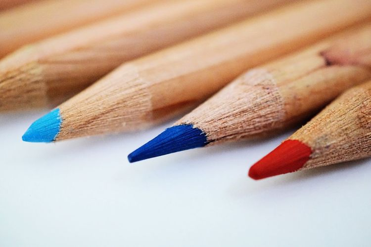 EyeEm Selects Still Life Colored Pencil Art And Craft Pencil Close-up Wood - Material White Background No People Variation Pencil Shavings Studio Shot Multi Colored Indoors