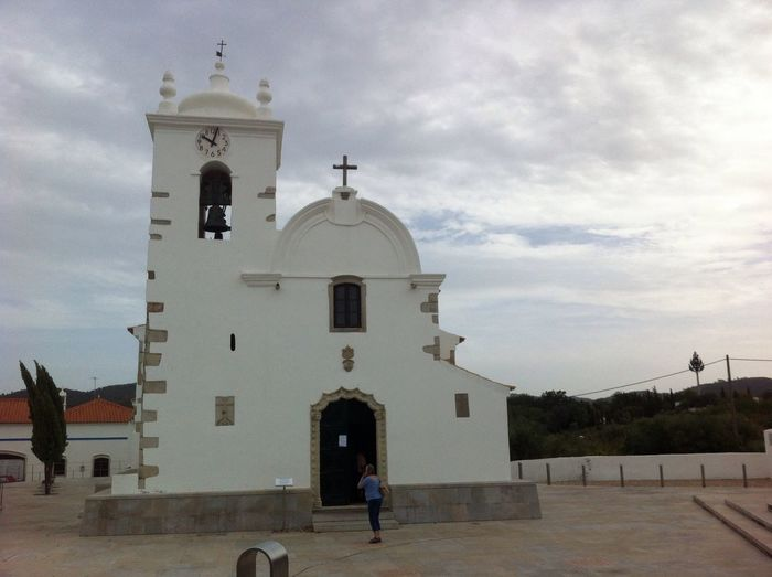 Querenca Serradocaldeirao Architecture Religion Built Structure Place Of Worship Spirituality Sky Real People Dome Outdoors Day