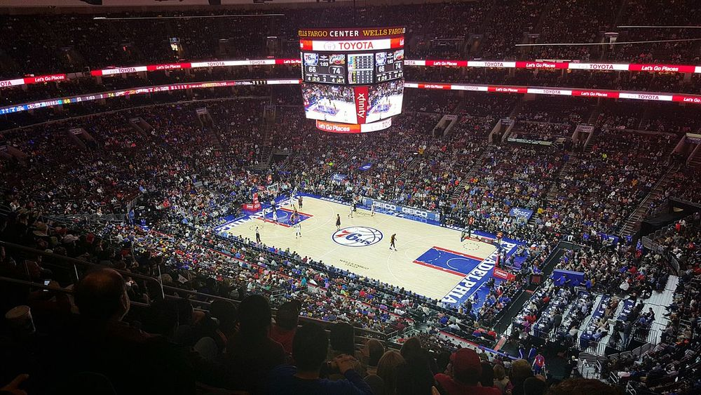 Philadelphia 76ers vs Cleveland Cavaliers..Thats LeBron on the right side of the court..always fun to see a game at the stadiums even though our teams stink right now. The atmosphere is always great Philadelphia Phillyphotographer Cityofbrotherlylove 76ers Clevelandcavaliers Basketball Lebronjames Lovemycity Walkwithme Samsungphotography Galaxys6edge S6edge Streetsofphilly Eyeembest BestofEyeEm LoveeyeEm EyeEminLove EyeEmLegend Cityscape Architecture Sports WellsFargoCenter Taking Photos Hanging Out Enjoying Life The Photojournalist - 2017 EyeEm Awards