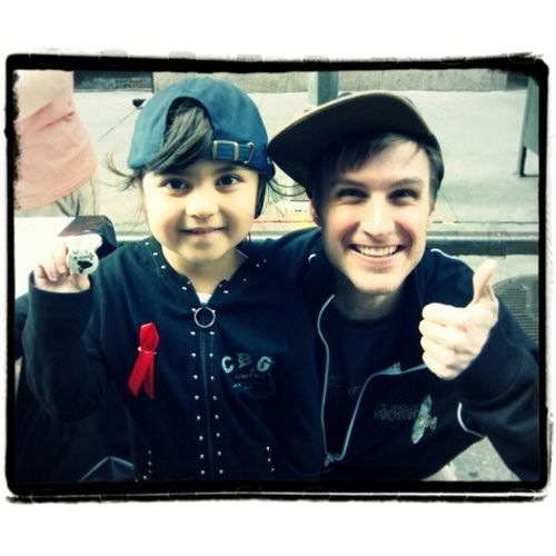 Thank you SO much to @chrisriceny for taking some time for my little one =) BwayFlea Broadwayfleamarket Bwayflea2013 Fleamarket nyc fun