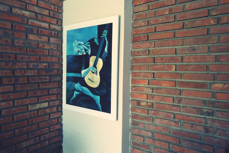 A vintage lonely corner Art Corner Painting EyeEm Selects Musician Brick Wall Architecture First Eyeem Photo