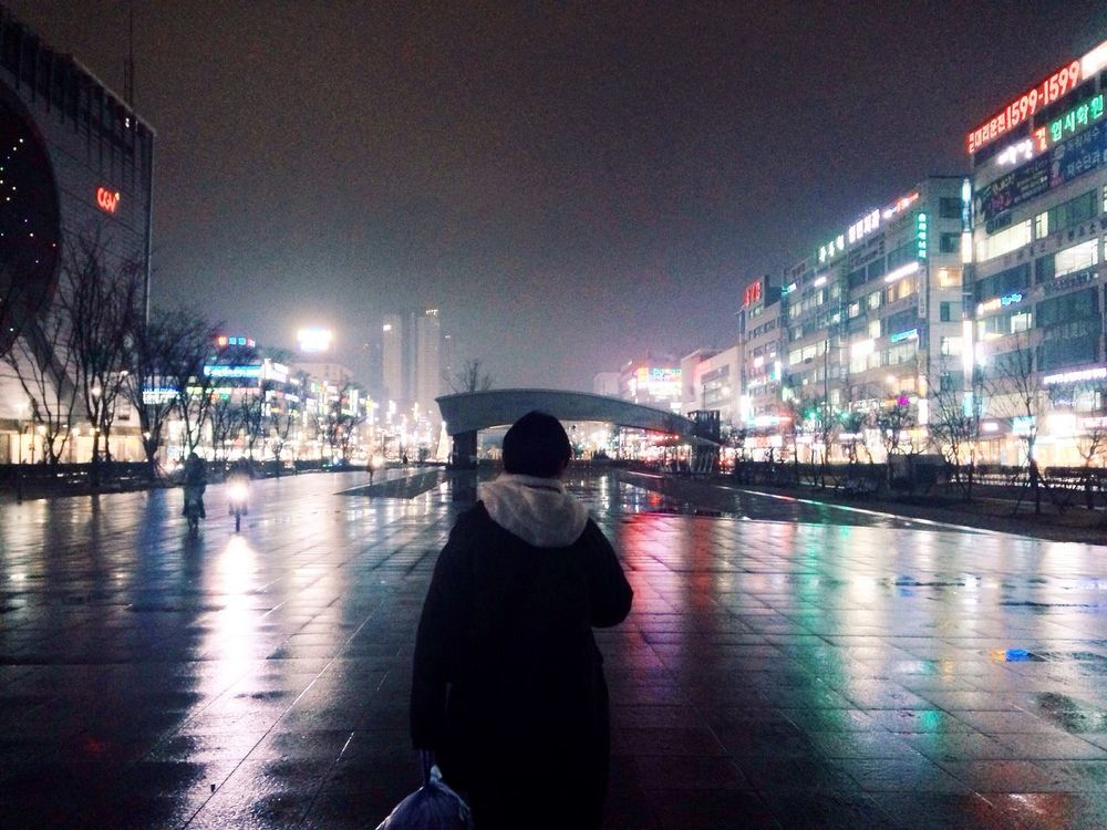 Streetphotography Light And Shadow Night City IPhoneography Vscocam South Korea Ansan Traveling People
