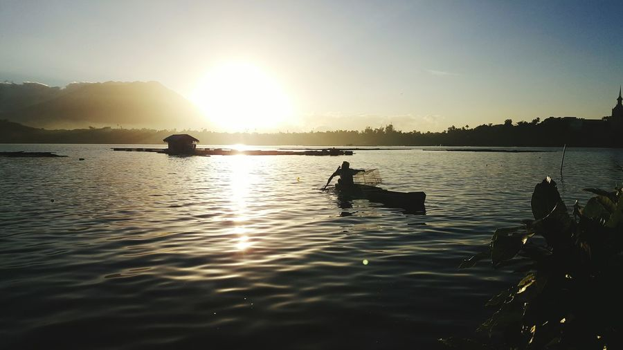 San Paloc lake, San Pablo Philippines Lake View Lakeside Fishing Dailycatch Freshfish Sunrise Sunrise_sunsets_aroundworld Mountains Mountain Lake Mountain Sunrise