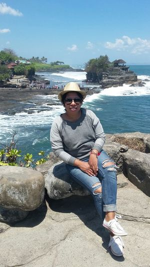 Hi! That's Me! Takepicture Tanahlot, Bali, Indonesia Rattanhat Sunglasses :) Rippedjeans  Me And Mystyle MyShoes Ootd ✌