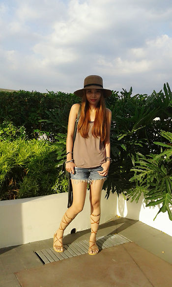 my blog♡http://jennyfashionillustration.jimdo.com Beauty Casual Clothing Cloud Cloud - Sky Day Full Length Lifestyles Long Hair Nature Outdoors Portrait Sky Young Women Ootd Boho Chic Boho Bohemian New Style Fashion Denim Shorts Hat Sandals Must Have Filipina Philippines Hanging Out