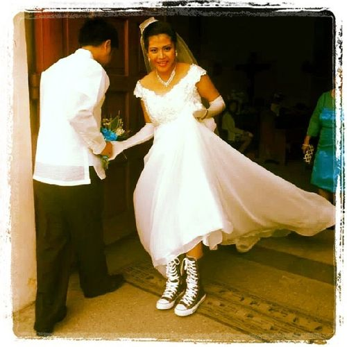 You are still one of the coolest girls I know Marylou! I wish I was there on your special day with Emmanuel. Best wishes to both of you! Love lots. ♥♥♥ Wedding Cool Weddingshoes Girls girlfriends converse comfy
