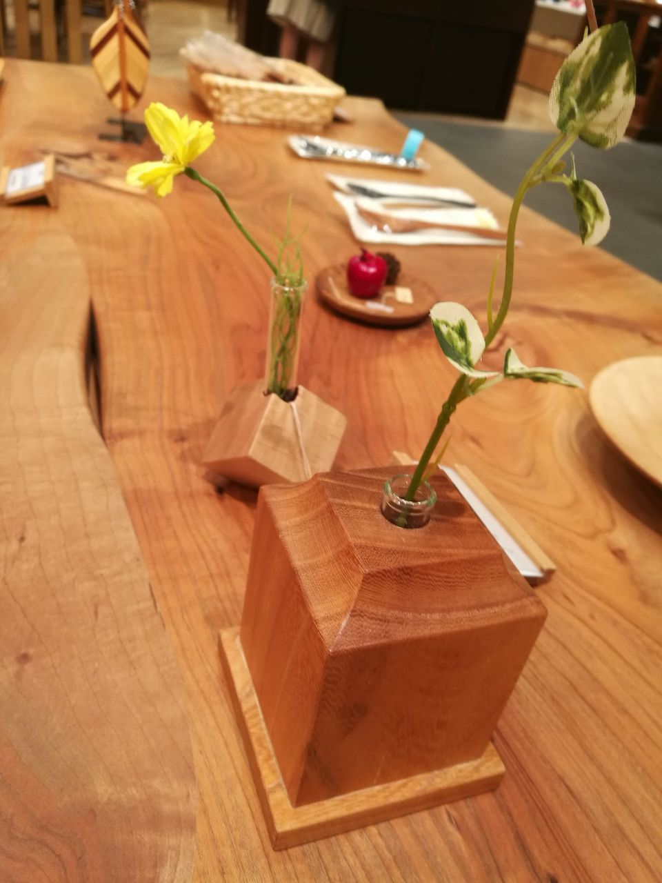 wood - material, table, indoors, no people, close-up, flower, day, nature