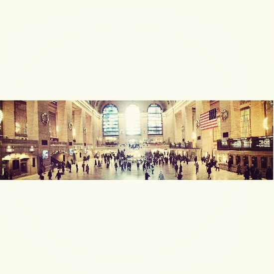 the Central Station NYC 42nd Street Great Central Station Really Beautiful~ Selfie Panoramico Lots Of People Lots Of Emotions Happiness Fall In Love ♡ Newyork