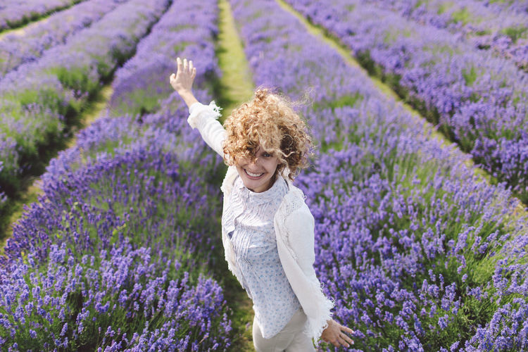 Beauty In Nature Blonde Blooming Casual Clothing Curly Hair People And Places Field Flower Focus On Foreground Fragility Girl Growth Happiness Lavanda Lavande Lavander Lavander Flowers Lavanderfields Leisure Activity Lifestyles Nature Outdoors Pink Color Plant Purple Summer Exploratorium #FREIHEITBERLIN Moments Of Happiness