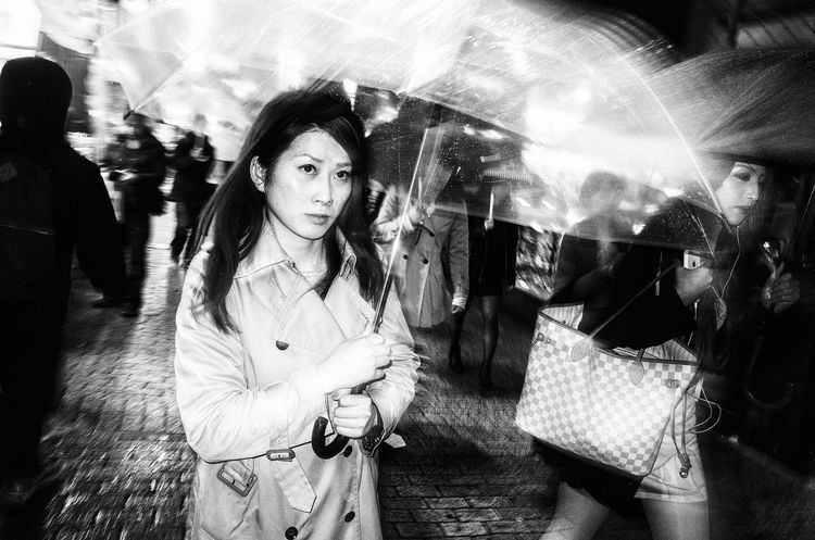 Tokyo Street Photography Street Life Streetphotography_bw Streetphoto_bw People Eye4black&white  Monochrome Street Photography Streetphotography B&w Street Photography Black And White Blackandwhite Street