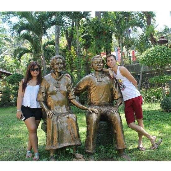 gonna grow old couple like this statue Summer2015 👍👌✌☝🔛🔝👏😘🏊🏄😎🌞☀💪🌅☁🌇⛅